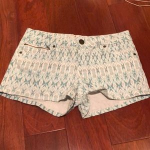New patterned Shorts size 26